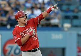 trout-mike-pointing